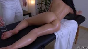 Massaggio erotico con tanto sesso anale