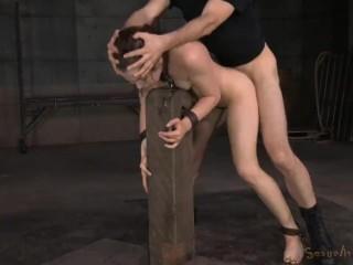 Scene bondage in un video hard con scopate selvaggie