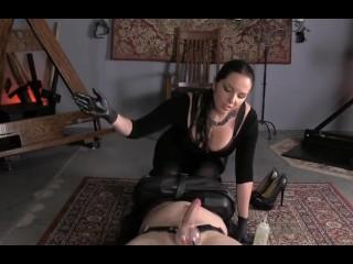 Bondage con masturbazione e leccate di figa